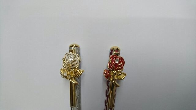 Swarovski Rose Ballpoint Pen | Export Japanese products to