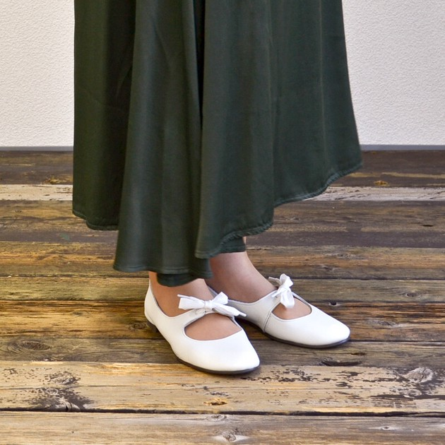 Leather Ribbon Shoes White | Export