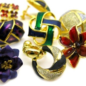 Color Motif Earring Set of Assorted