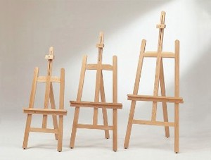Easel Natural Brown