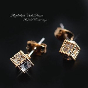 Delicate Design Completion Tall Cube Pierced Earring