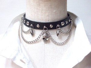 Genuine Leather Choker Triple Skull Chain