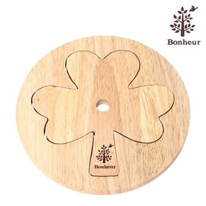 Wooden Couple Pet Clover