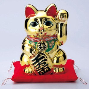 The Left Hand Cat Gold Koban Cat