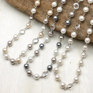 Pearl pin Necklace