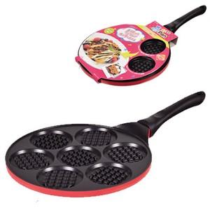 Frying Pans  waffles / pan cakes