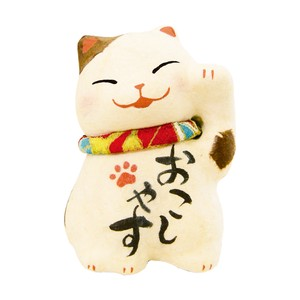 Chigiri Japanese Paper One Thing Beckoning cat Ornament