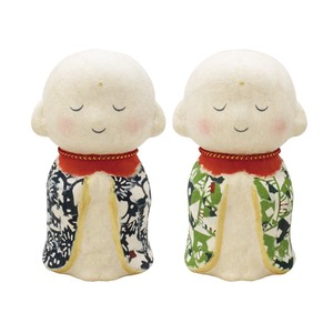 Dyeing Japanese Paper Jizo Ornament