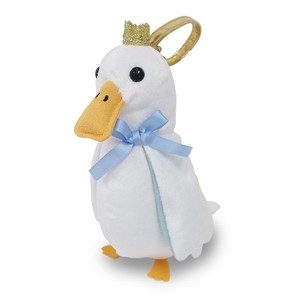 Crown Pouch White Duck / A plush zipper-back penguin-shaped pouch
