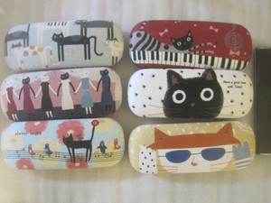 cat Repeating Pattern Hard Eyeglass Case Cleaner Attached