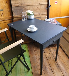 Type Folding Table