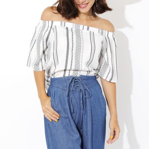 Embroidery Print Off-Shoulder Top