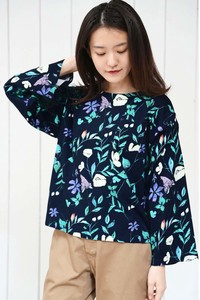 Jersey Stretch Flower Repeating Pattern Wide Pullover