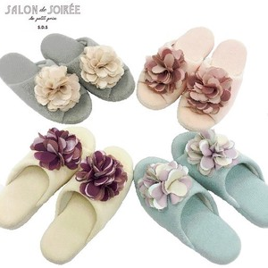 Style Flower Motif Attached Slipper
