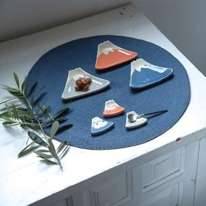【人気商品】手づくり小皿 富士山 日本製 陶器 俊峰陶苑