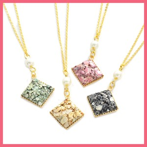 Stone Square Motif Necklace