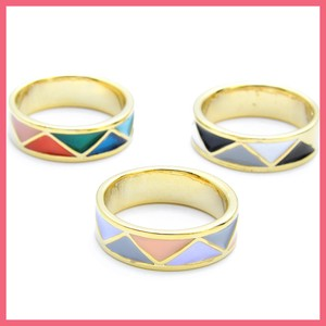 Color Triangle Pattern Ring