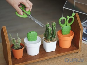 『Cactus Scissors and Container(カクタス  シザーズ&コンテナ)』サボテン(カクタス)のハサミ!?