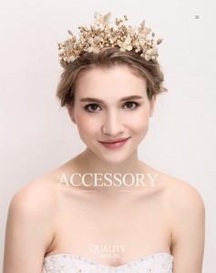 e517f65bb8871 上品な金色の真珠パールとキラキラ可愛い蝶々柄 花嫁結婚式 カチューシャ ヘアアクセサリー