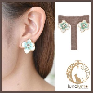 Mint Green Pansy Earring