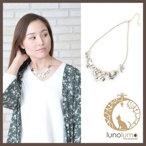 Design Metal Short Necklace