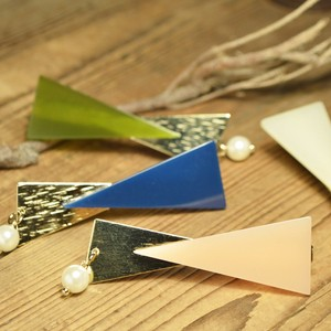 Acrylic Triangle Ribbon Pearl Hair Clip 4 Colors