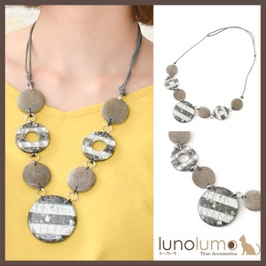 Border Design Gray Wood Necklace