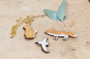 Clear Wood Animal Brooch