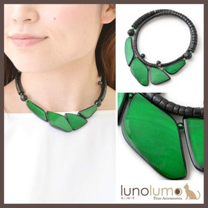 Natural Material Geometry Top Green Necklace
