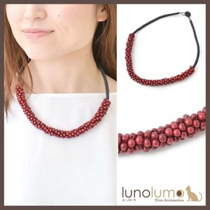 Wood Red Color Necklace