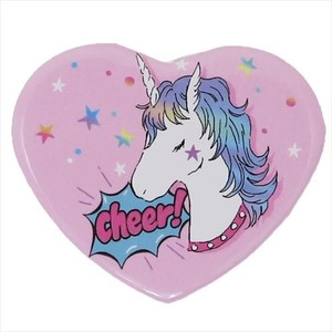 Topic Heart-shaped Badge