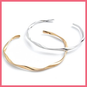 Twist Metal Bangle