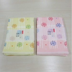 Bathing Towel Flower Checkered Pattern