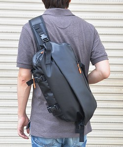 DEVICE Multiple Functions Body Bag