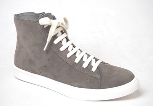 Leather High-top Sneaker Slender Silhouette Zipper Easy