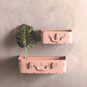 【Creative Co-Op Home】ウォールシェルフ トランク,Metal Wall Trunk Pink