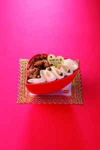Petal Heart Dessert Food Container Food Product Food Container