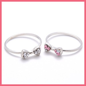 Rhinestone Ribbon Ring