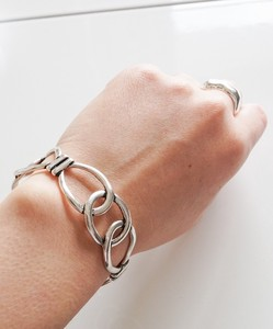 Chain Design Bangle Attention