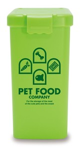 Products for Dogs & Cat Pet Food Green
