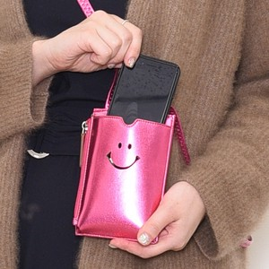 New A/W SMILE Metallic Smartphone Pouch