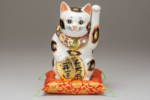 KUTANI Ware Size 8 Beckoning cat Mike