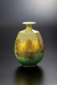 KUTANI Ware Size 8 Flower Vase Gold Decoration Human Yoshida