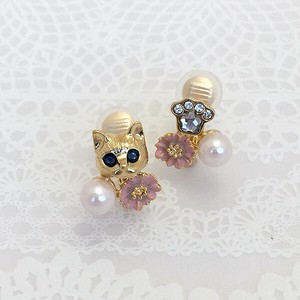 Flower Cat Earring