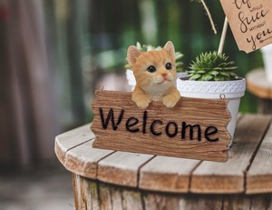 Resin Welcome Board Cat