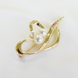 Pearl Wave Chief Brooch