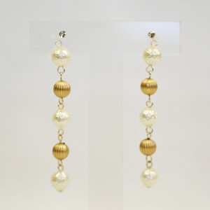 Pearl Metal Melon Falling Resin Hall Earring