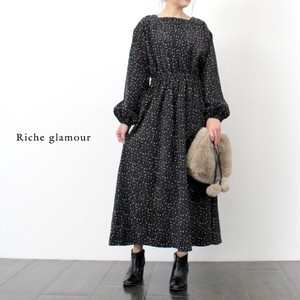 A/W Floral Pattern Square Neck One‐piece dress.