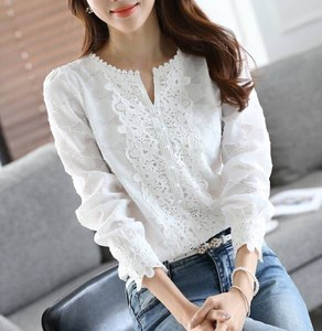 Elegant Flower Motif Lace Long Sleeve Blouse