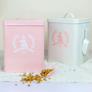Pet Food Canister Interior